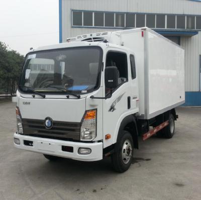 Sinotruk CDW Refrigerator truck
