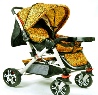 Four round baby carriage